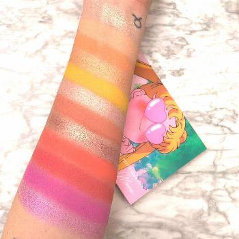 HNNNNNGGGG SO PIGMENTED!!!! LURVVVE - SAILORMOON X COLOURPOP laun