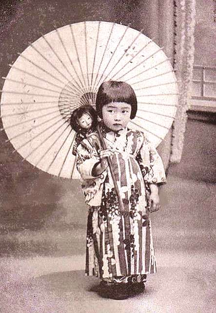 Chibi-chan japanese parasols | little girl with a parasol