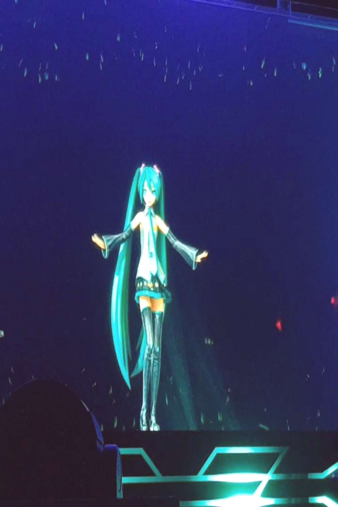 Thinking about MIKU EXPO London - Decade was amazing to see live!
